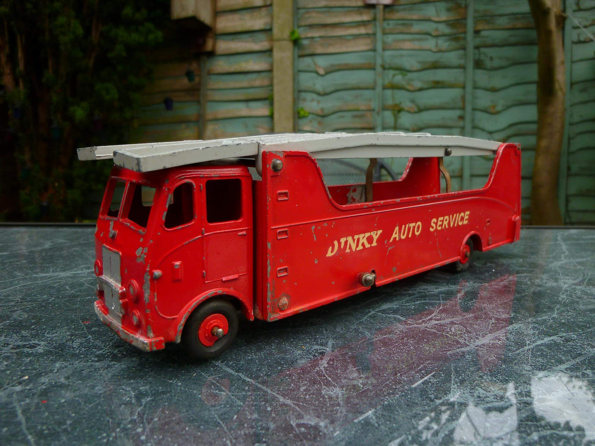 Is this a rare Diecast? An Unidentified Dinky Variant???