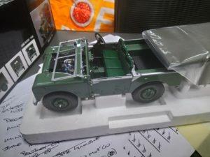 Minichamps Land Rover